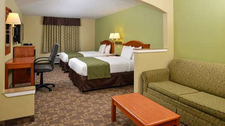 Americas Best Value Inn and Suites Suite