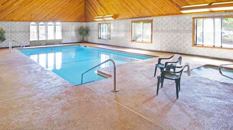 Americas Best Value Inn & Suites Pool