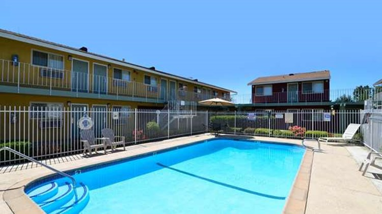 Americas Best Value Inn Sacramento South Pool