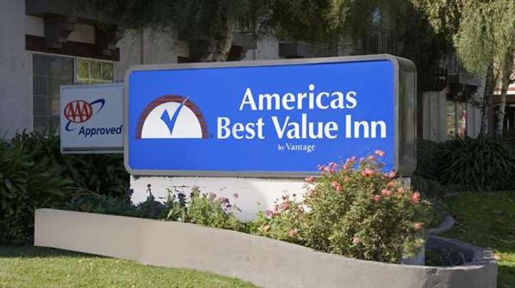Americas Best Value Inn-Convention Ctr Exterior