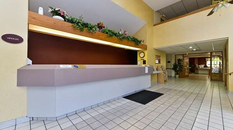 Americas Best Value Inn & Suites Lobby