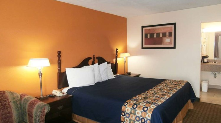 Americas Best Value Inn - Newnan Room