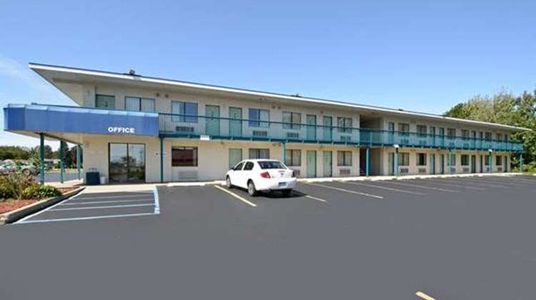Americas Best Value Inn Battle Creek Exterior