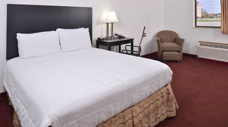 Americas Best Value Inn Birch Run Room