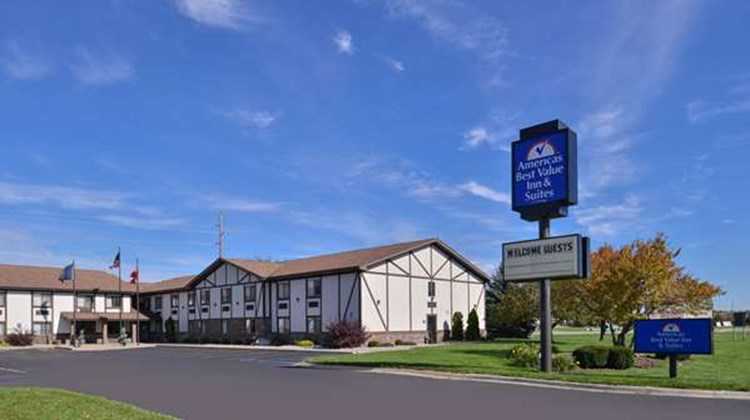 Americas Best Value Inn Birch Run Exterior