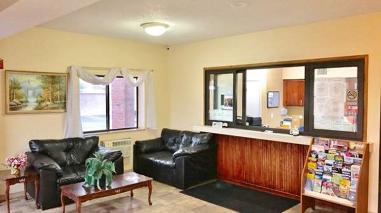 Americas Best Value Inn Livonia/Detroit Lobby