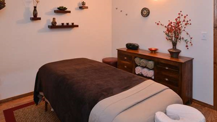 Americas Best Value Inn Marquette Spa