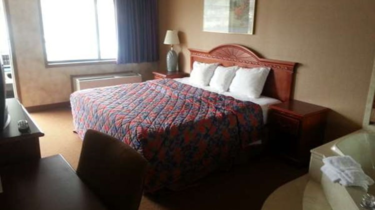 Americas Best Value Inn & Suites Suite