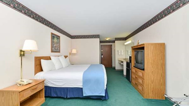 Americas Best Value Inn - Tahquamenon Co Room