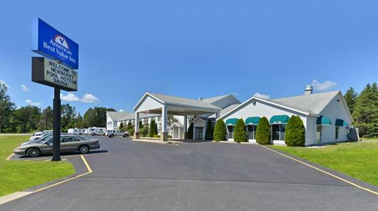 Americas Best Value Inn - Tahquamenon Co Exterior