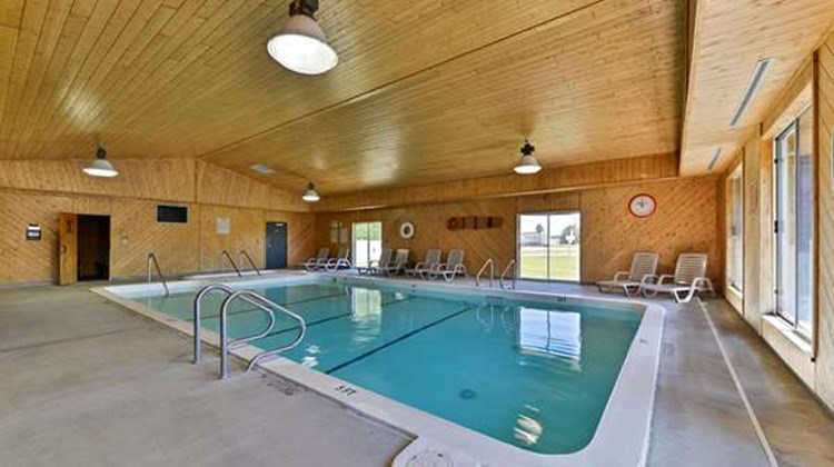 Americas Best Value Inn - Tahquamenon Co Pool