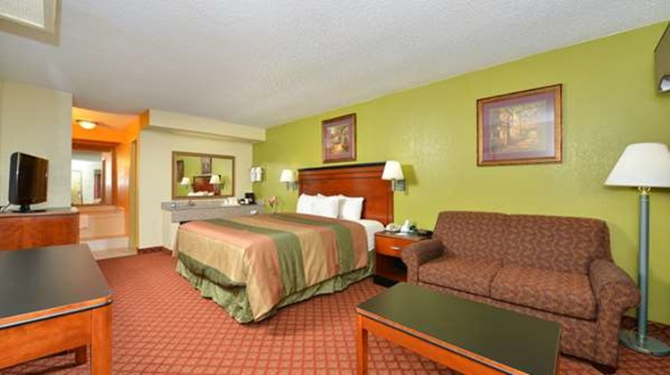 Americas Best Value Inn Brookhaven Suite