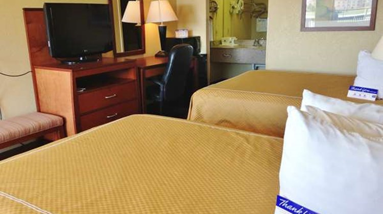 Americas Best Value Inn & Suites-Yukon Room