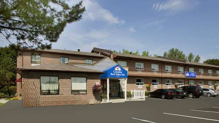 Canadas Best Value Inn-Richmond Hill Exterior