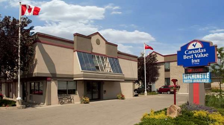 Canadas Best Value Inn Toronto Exterior