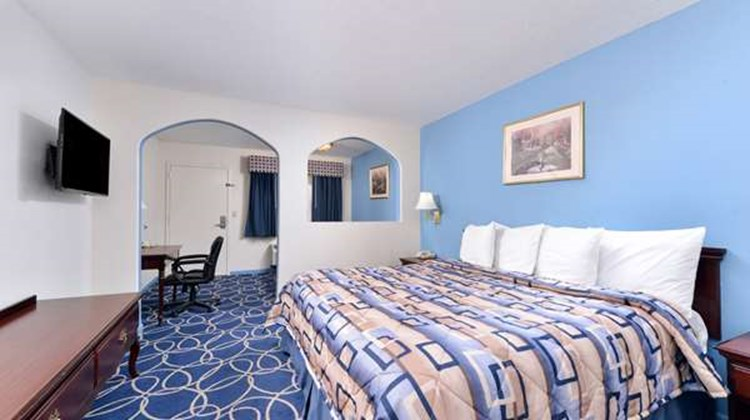 Americas Best Value Inn & Suite NW Suite