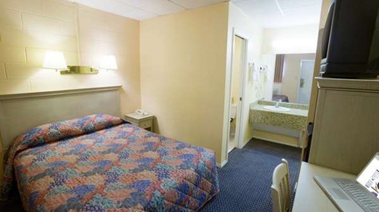 Americas Best Value Inn Lackland AFB Room