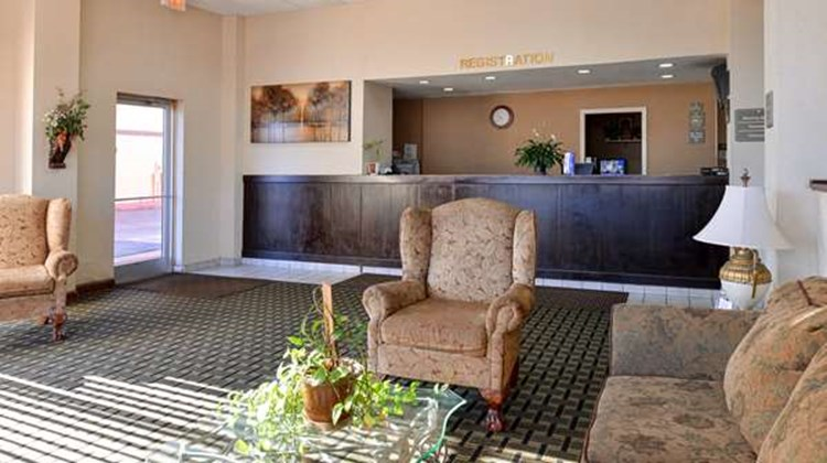 Americas Best Value Inn & Sts Memphis E Lobby