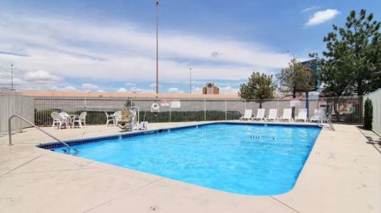 Motel 6 Midtown Pool