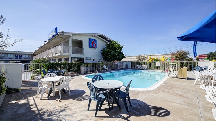 Motel 6 Laredo South Pool