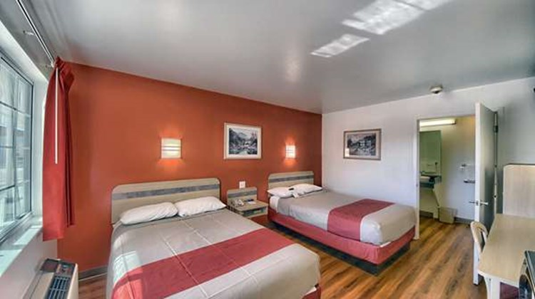 Motel 6 Kerrville Room