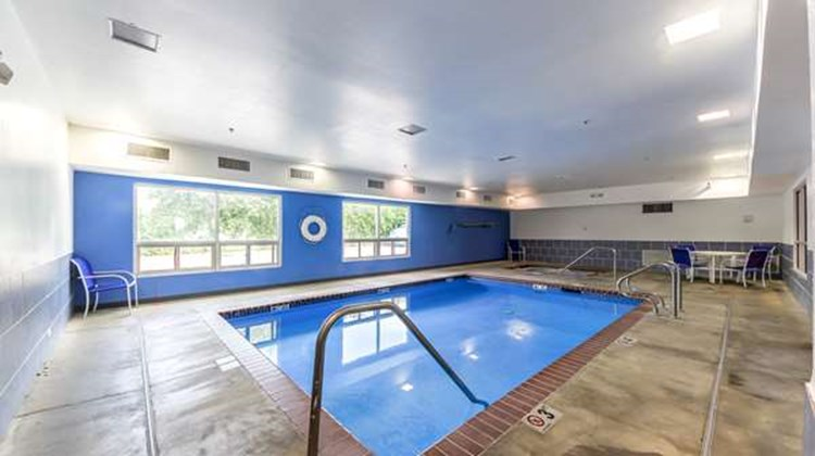 Motel 6 New Braunfels Pool