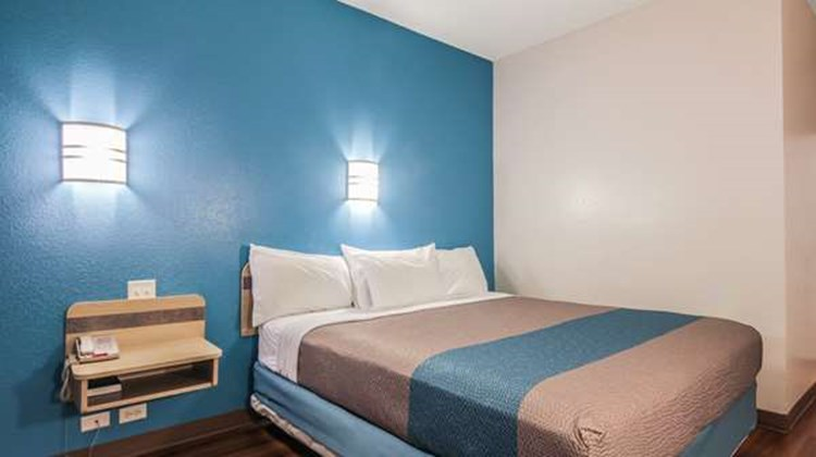 Motel 6 New Braunfels Room