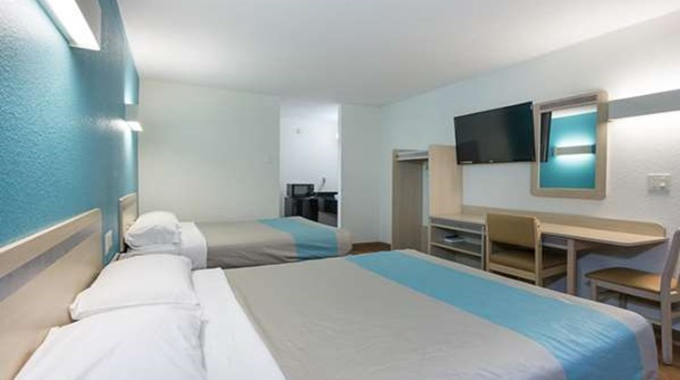 Motel 6 Brownsville - Bells Room