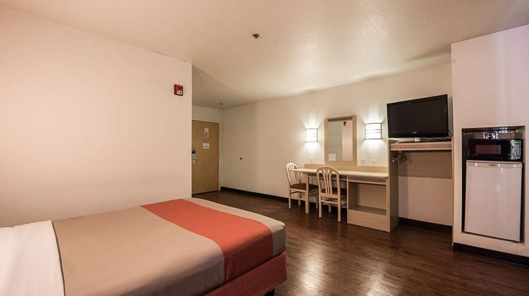Motel 6 Athens Room