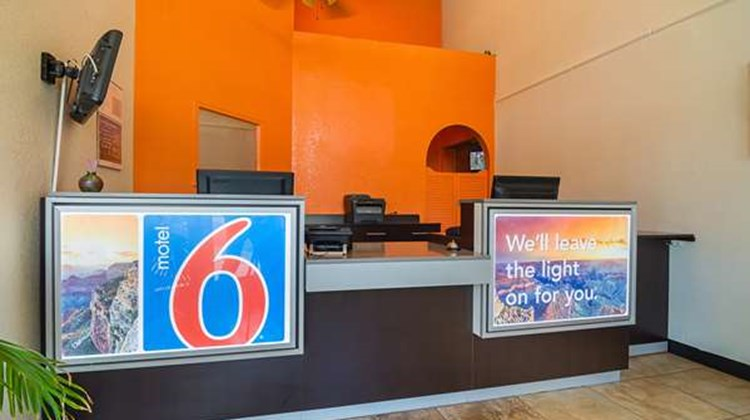 Motel 6 Chandler Lobby