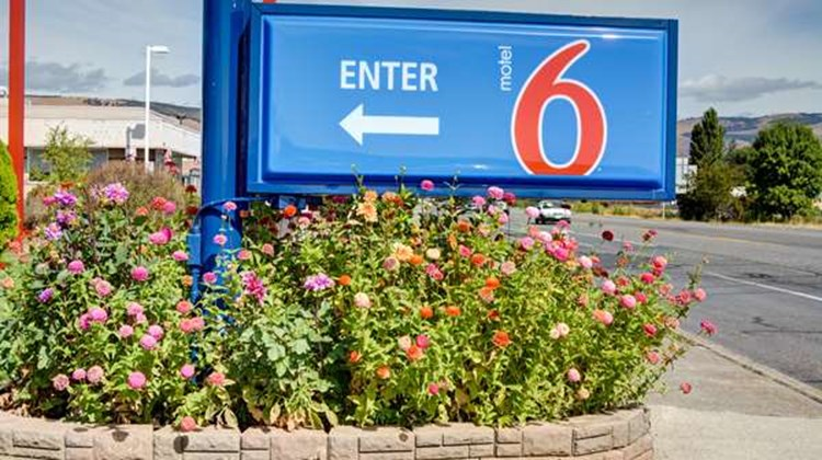 Motel 6 The Dalles Exterior