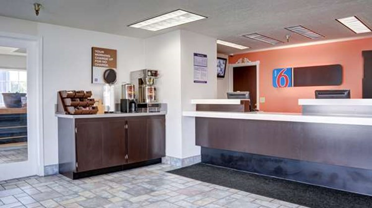Motel 6 The Dalles Lobby
