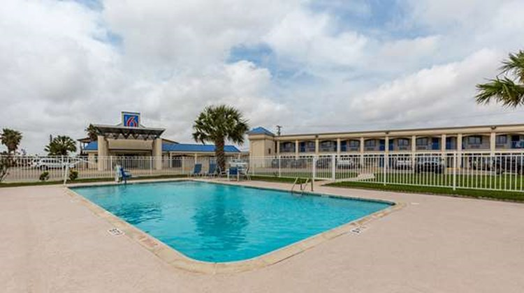 Motel 6 Port Lavaca Pool