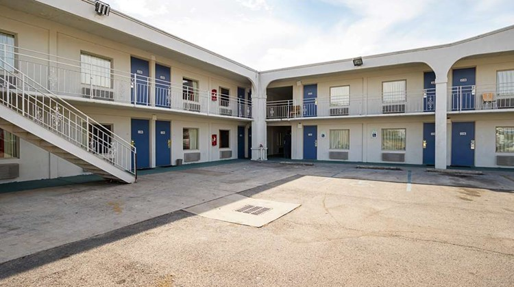 Motel 6 Decatur Exterior