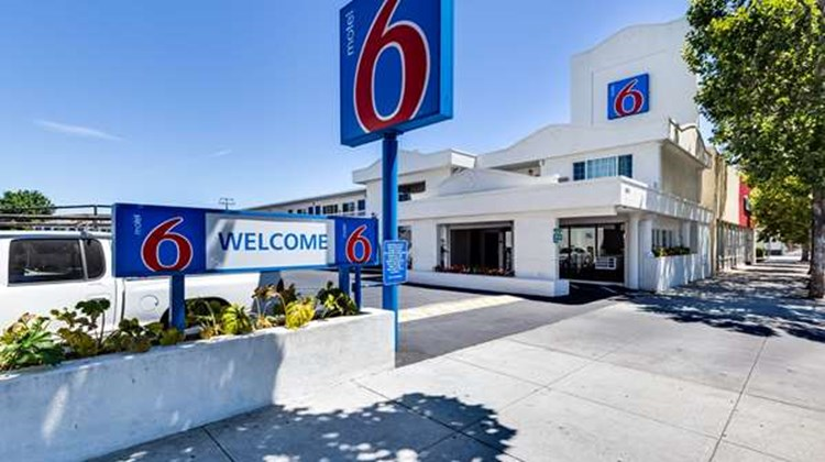 Motel 6 San Jose Convention Center Exterior