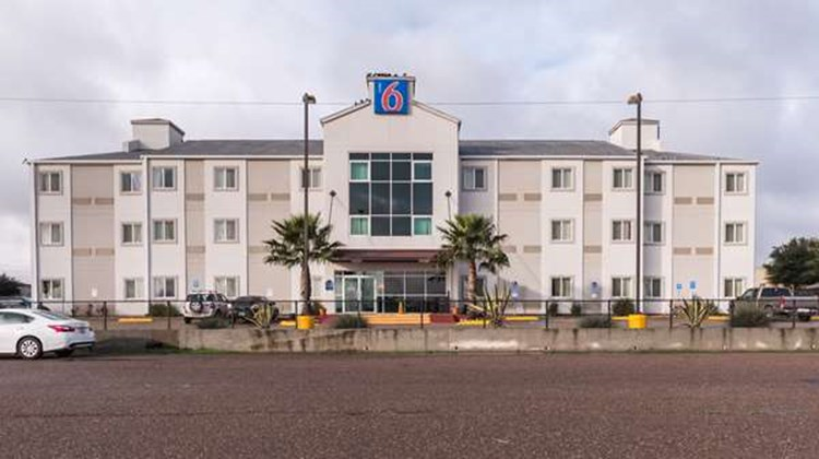 Motel 6 Eagle Pass Exterior