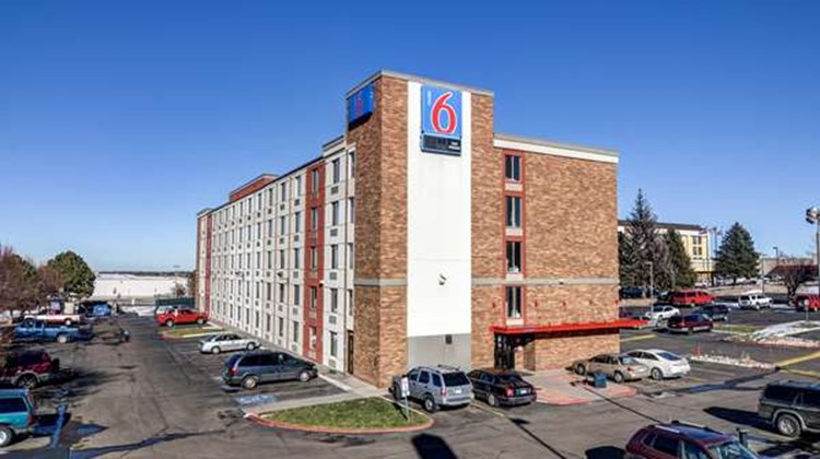 Motel 6 Denver South Exterior