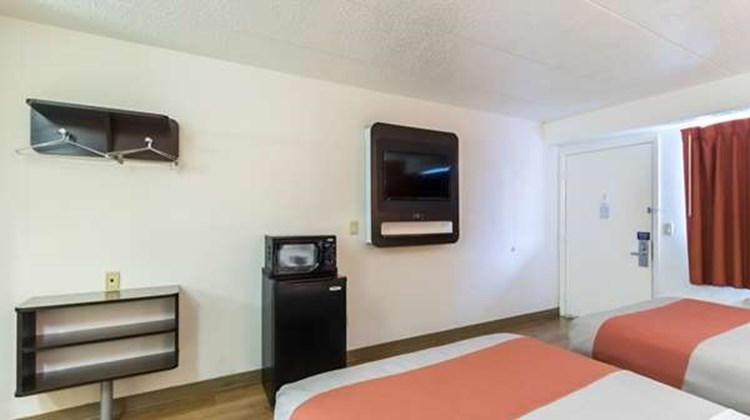 Motel 6 Crawfordsville Room