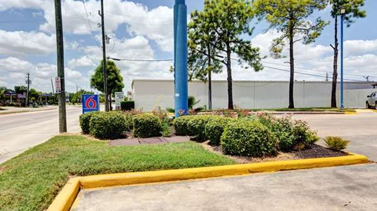 Motel 6 Houston Hobby Exterior