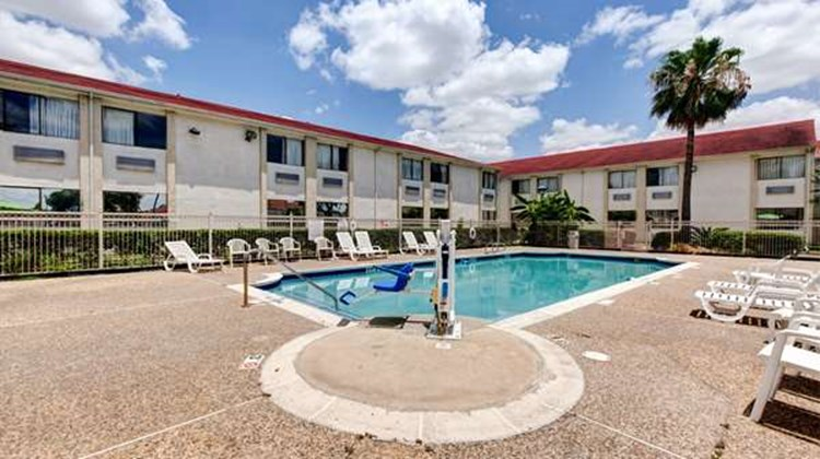 Motel 6 Houston Hobby Pool