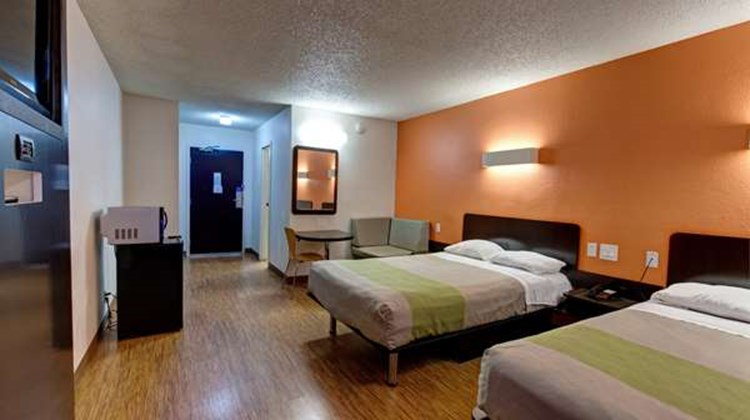 Motel 6 Houston Hobby Room