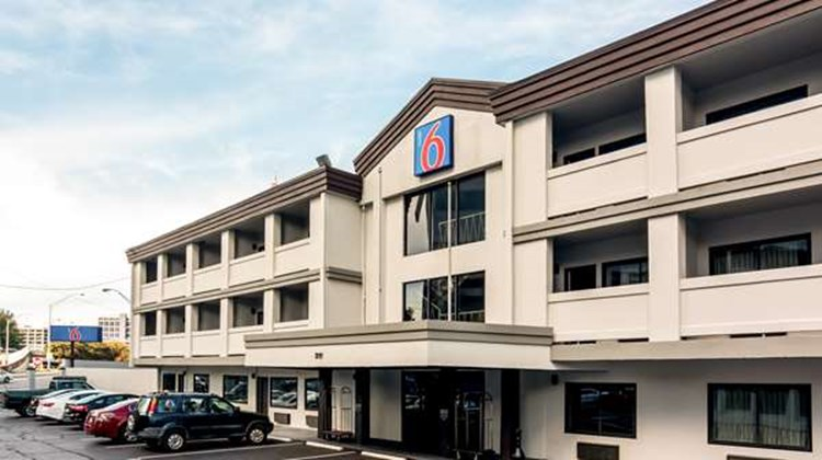 Motel 6 Atlanta Downtown Exterior