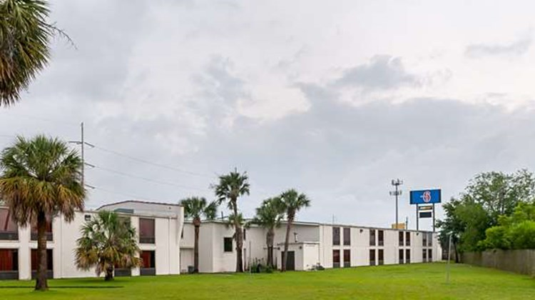 Motel 6 New Orleans Exterior