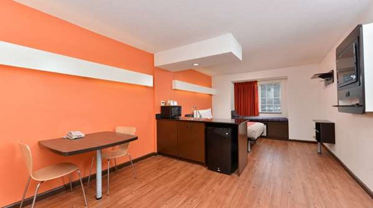Motel 6 Richburg Room
