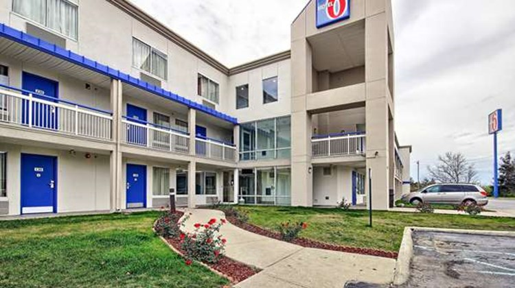Motel 6 Columbus West Exterior