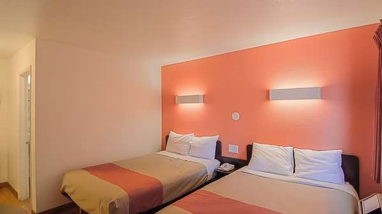 Motel 6 Red Bluff Room