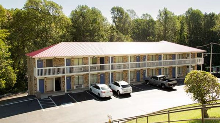 Motel 6 Cookeville Exterior