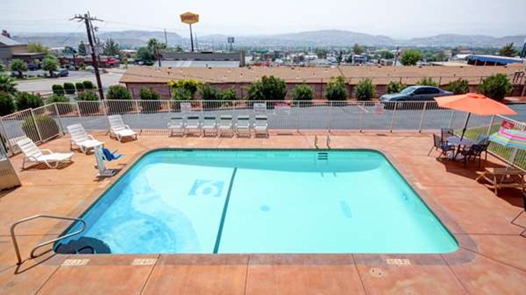 Motel 6 St George Pool