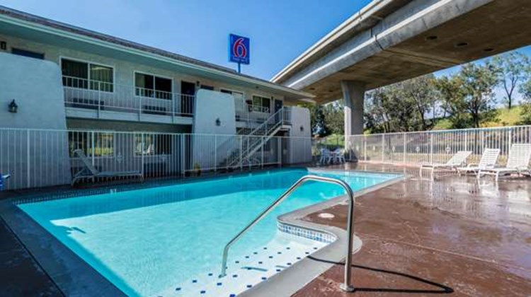 Motel 6 Redlands Pool