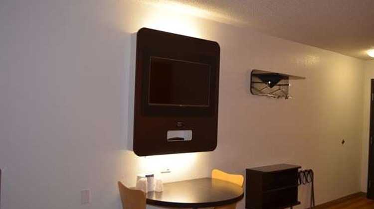 Motel 6 - Kings Bay Naval Base Room